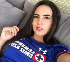 Hot Football Fans, Girl Football, Caucasian Race, Soccer Stars, Soccer World, Picts, Chelsea Fc, Sport Girl, Beautiful Creatures