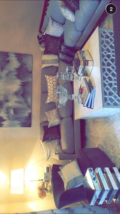 Jaclyn Hill's living room
