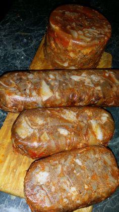 Ezt is nagyon szeretjük, de jót és olyat amiben tudom mi van csak akkor ettem mikor apukám még élt és akkor csináltunk disznóvágáskor..... Homemade Sausage Recipes, Good Food, Yummy Food, How To Make Sausage, Hungarian Recipes, Charcuterie, Christmas Baking, Main Dishes, Bacon