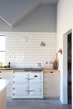 white enamel oven pale wood kitchen  #currentlycoveting #fallvibes #fall2015 #fallstyle