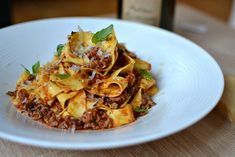 Do you know the secret of real pasta with Bolognese? L'incroyable sauce bolognaise, le Ragù Alla Bolognese – Station De Recettes Easy Pasta Dinner Recipes, Easy Pasta Salad Recipe, Best Pasta Recipes, Easy Salad Recipes, Sauce Recipes, Homemade Noodles For Soup, Homemade Ravioli, Homemade Alfredo, Pasta Bolognese
