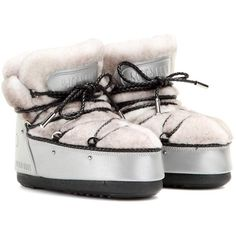 Jimmy Choo x Moon Boot MB Classic Shearling Snow Boots ($720) ❤ liked on Polyvore featuring shoes, boots, silver, snow boots, jimmy choo, jimmy choo shoes, sheep fur boots and shearling shoes