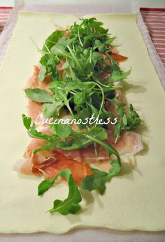 Cucinanostress : TRECCIA DI PASTA SFOGLIA SALATA ripiena Finger Food Appetizers, Appetizer Recipes, No Salt Recipes, Cooking Recipes, Italian Buffet, Quiche, Italian Pasta Recipes, Wedding Soup, Sweet Buns