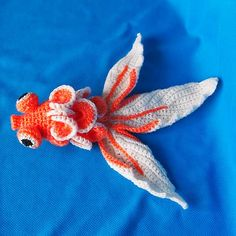 Ami Gold Fish || Free Pattern on Ravelry at http://www.ravelry.com/projects/AmigurumiCat/20g-crocheted-fish