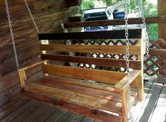 Pallet Swing - 45 Easiest DIY Projects with Wood Pallets, You Can Build - Page 5 of 5 - Easy Pallet Ideas Porch Swing Pallet, Outdoor Pallet Bar, Outdoor Pallet Projects, Outdoor Decor, Pallet Swings, Outdoor Swings, Bench Swing, Porch Swings, Pallet Patio