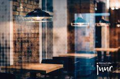 JUUR on pohjoismaisia makuja lautaselle loihtiva gourmet-ravintola. Keittiöpäällikönä toimii Viron vuoden kokki 2016 -kisassa toiseksi tullut Kaido Metsa. Täällä panostetaan luomuun ja paikallisuuteen. Herkkuja valmistetaan molekyyligastromian periaattein. JUUR sijaitsee komeassa ympäristössä Ülemistessa: Dvigatelin vanhatehdasrakennuksessa on nyt uutta elämää. JUUR on myös virolaisen käsityöläiskahvin kauppa. #eckeröline #juur #tallinn