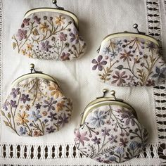 63 new Ideas embroidery bag diy embroidered flowers Embroidery Purse, Japanese Embroidery, Silk Ribbon Embroidery, Embroidery Hoop Art, Hand Embroidery Designs, Embroidery Stitches, Embroidery Patterns, How To Make Purses, Embroidered Flowers