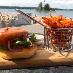 Top 10 Vegan Burgers In Helsinki •