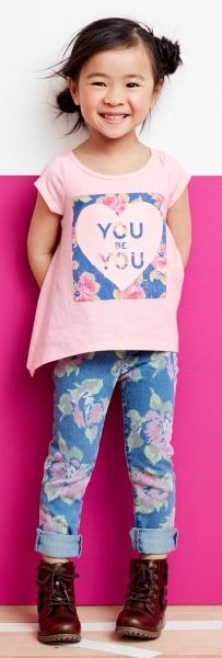 Girls' fashion | Kids' clothes | Graphic top | Printed jeggings | Boots | The Children's Place