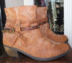 Mossimo Tan Brown Vegan Leather Ankle Boots Southwestern Women 6 #Mossimo #AnkleBoots