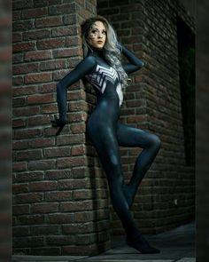 Hendo Art in the Spidey/Venom Symbiote Suit -