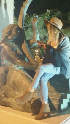 #autumn #outfit #hat #tan #jeans #ankleboots #unedited #uneditedlife