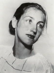 francoise gilot - This level-headed law student abandoned her studies in favour of art and began an affair with Picasso at 21. She gave him two children, Claude and Paloma, and recalled their nine-year relationship in the best-selling Life with Picasso. Later married to American vaccine pioneer Jonas Salk, she still paints.ø