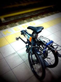 Dahon d7hg vitesse waiting for the tube in athens.#Pin By:Pinterest++ for iPad#