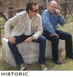Marco Giallini indossa una giacca di Historic durante le riprese del film Io loro e Lara.    #marcogiallini #ioloroelara #historic #modauomo #menfashion