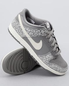 Nike - Wmns Nike Dunk Low Skinny Sneakers