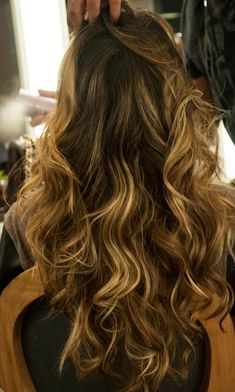 Hair Color and style Messy Hairstyles, Pretty Hairstyles, Hair Day, New Hair, Hair Inspo, Hair Inspiration, How To Make Hair, About Hair, Ombre Hair
