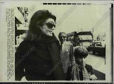 1969 Reprint AP Wire Photo JACQUELINE KENNEDY ONASSIS PLAZA HOTEL New York
