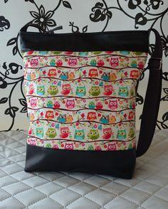 8a564611cbea Bagoly mintás textilbőr táska, Táska, Tarisznya, Válltáska, oldaltáska,  Meska Pelenkázótáska