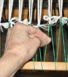 How to lash on a warp - saves yarn yardage! < I need to try this the next time I weave on my rigid heddle
