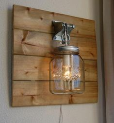 Items op Etsy die op Pretty cool wall lamp on a wooden board. Diy General, Peach Lipstick, Silver Highlights, Bedside Table Lamps, Mason Jar Lamp, Pretty Cool, Nice, Cool Walls, Pallet Furniture