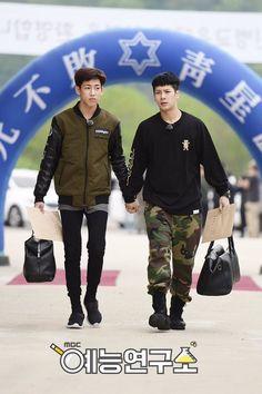 Jackson e BamBam (GOT7) de mãos dadas fazem as últimas despedidas antes de entrarem para o serviço militar - Inspire Kpop