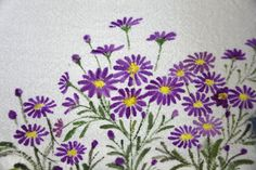 Border Embroidery, Hand Embroidery Flowers, Embroidery Works, Hand Embroidery Patterns, Saree Painting, Fabric Painting, Fabric Art, Chinese Painting Flowers, Fabric Paint Designs