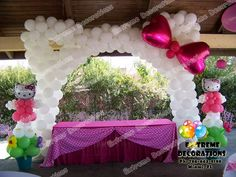 Hello Kitty Ears Balloon arch with Bow. Creative idea for the ultimate hello kitty party. Cake Table Decorations, Balloon Decorations, Birthday Decorations, Balloon Ideas, Hello Kitty Baby Shower, Hello Kitty Birthday, Mickey Minnie Mouse, Anniversaire Hello Kitty, Hello Kitty Themes