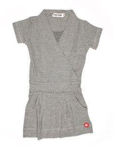 Lichtgrijs tricot jurkje voor meisjes met zwarte ruitjesprint - Kik*Kid