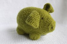 Ravelry: FREE SOCK PIGGEE pattern by Bobbi Padgett. Called a sock pig but it's all knit.