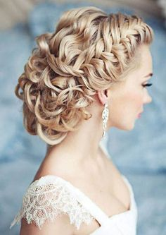 BRAIDED WEDDING HAIRSTYLES http://www.hairstylesforgirl.com/braided-wedding-hairstyles/