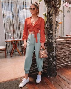 65 perfect summer outfits to wear this moment 50 ~ Litledress Look Fashion, Girl Fashion, Fashion Outfits, Colourful Outfits, Colorful Fashion, Looks Style, Casual Looks, Casual Chic, Look Star