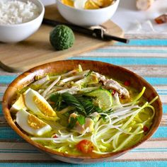 Soto Ayam is a traditional Indonesian soup deliciously flavored, also served in Malaysia, Singapore and Suriname.