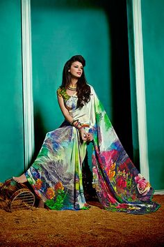 Zoharin is the ultimate online store that offers rich Indian Dresses in Dubai so that women can make best fashion statement. Salwar Designs, Saree Blouse Designs, Indian Dresses, Indian Outfits, Dresses In Dubai, Women's Ethnic Fashion, Simple Sarees, Elegant Saree, Latest Sarees