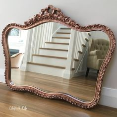 Rose Gold Mirror Lilyfield Life I want THIS in my bathroom or at least frame the one i have like this! Rose Gold Mirror, Rose Gold Decor, Rose Gold Frame, Vintage Gold Mirror, Gold Framed Mirror, Bathroom Vintage, Interior Exterior, Interior Design, Living Room Decor