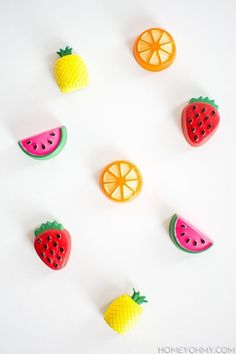 Here are some of the most unique yet 66 DIY Colorful Fruit Crafts - Inspired Fun Projects easy ideas for making fruity crafts this summer. First we have a diy tuitty fruity cap idea here for you which is simple and creative. Diy Arts And Crafts, Crafts For Kids, Diy Crafts, Beaded Crafts, Fruit Crafts, Diy Magnets, Colorful Fruit, Fun Projects, Diy Tutorial