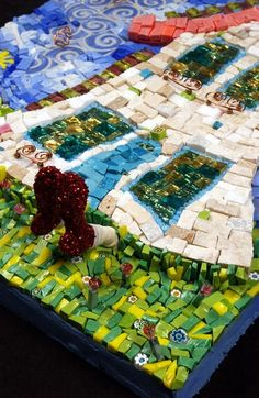 Love to add one for my garden   #mosaic