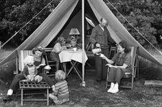 BILLEDER Nostalgisk tilbageblik: Dansk campingliv gennem tre årtier | Kultur | DR
