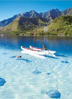 Bora Bora Island, in French Polynesia _ Isola Bora Bora, in Polinesia Francese Places Around The World, Oh The Places You'll Go, Places To Travel, Travel Destinations, Places To Visit, Travel Stuff, Bora Bora, Dream Vacations, Vacation Spots