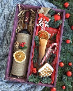 Автоматический альтернативный текст отсутствует. Best Friend Christmas Gifts, Teenage Girl Gifts Christmas, Christmas Gifts For Coworkers, Christmas Gift Baskets, Christmas Gifts For Friends, Christmas Gift Box, Homemade Christmas Gifts, Xmas Gifts, Homemade Gifts