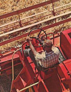 1968 Case 1060 Combine Case Tractors, Country Casual, Case Ih, International Harvester, Vintage Ads, Techno, Kansas, Grains, Wheels