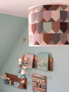 DIY-Anleitung: Lampenschirm mit Lieblingsstoff bespannen, Hängelampe / diy-tutorial: how to cover a lamp with your favorite fabric via DaWanda.com