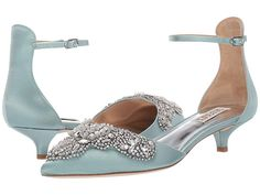 If you want to find very comfortable wedding shoes you have two top choices, one is to wear cowgirl wedding boots (as many of our readers choose). However, cowgirl boots aren't for everyone, even i… Hot Shoes, Blue Shoes, Shoes Heels, Pump Shoes, Pumps, Flats, Best Bridal Shoes, Wedding Boots, Boho Wedding