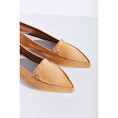 Jeffrey Campbell Vionnet Flat ($70) ❤ liked on Polyvore featuring shoes, flats, nude, jeffrey campbell flats, pointy toe flats, nude shoes, flat pointed-toe shoes and flat shoes