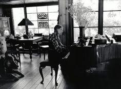 Joni Mitchell at home