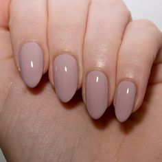 Floss Gloss Palazzo Pleasures - such a pretty modern blush nude nail varnish.