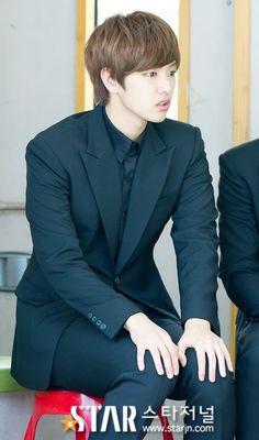 Name:신원호 / Shin Won Ho  Birthdate:1991-Oct-23  Birthplace:South Korea  Height:185cm  Blood type:A