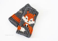 Cute fox fingerless gloves crochet pattern, FREE pattern   www.1dogwoof.com