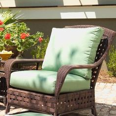 Lloyd Flanders Haven Lounge Chair with Cushion Fabric: Volt Emerald