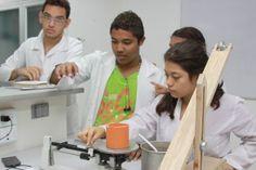 Universidad de Cartagena, primera en investigación en la región  Con 90 grupos de Investigación la Universidad de Cartagena ocupa el 1 puesto a nivel regional y el décimo tercer puesto a nivel nacional según la medición de COLCIENCIAS. Thing 1, Regional, Investigations, University, Cartagena, Universe